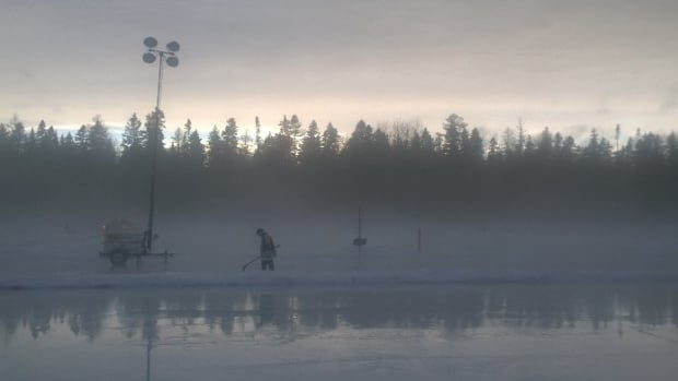 Weather conditions have delayed the first games of the World Pond Hockey Championship until Friday morning.