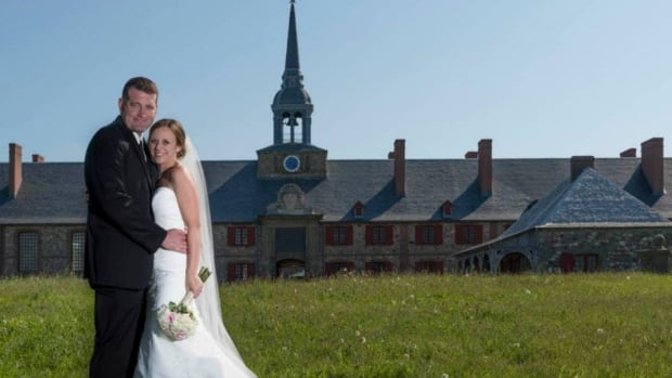 Darren Gallop and Alison Giovannetti were married at the Fortress of Louisbourg in June 2014.