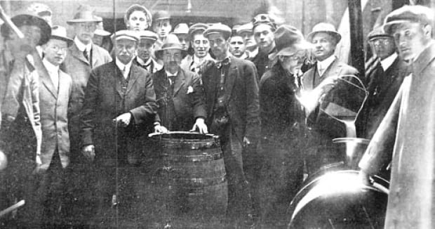 Vintage well Turner Valley