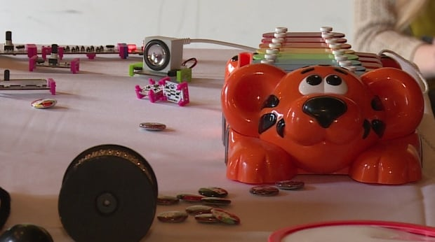 RPM jam session, toys and magnetic noise makers