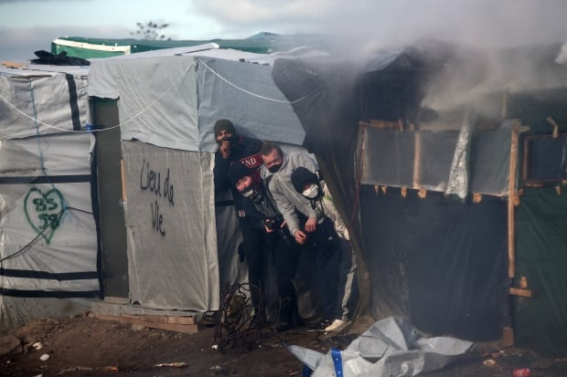 Calais Jungle refugee camp removed Feb 29 2016 89525064 water cannons