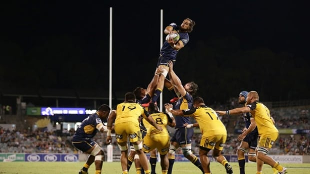 The ACT Brumbies opened the Super Rugby season with an impressive 52-10 win over last year's finalists the Hurricanes in Canberra. On Friday they meet rival New South Wales Waratahs, another contender.