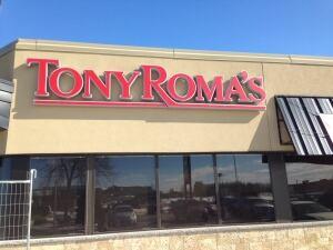 Tony Roma's sign