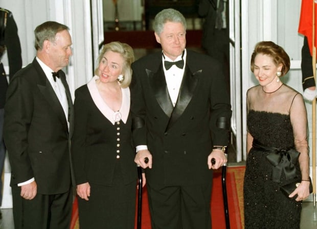 CHRETIENS ARRIVE FOR STATE DINNER WITH THE CLINTONS