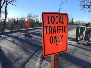 zoo road closed