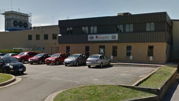 Employees at the Sarsfield Foods Ltd. plant in Kentville were told Monday that the facility will be closing.