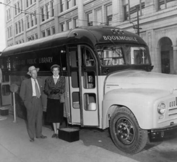 bookmobile black and white