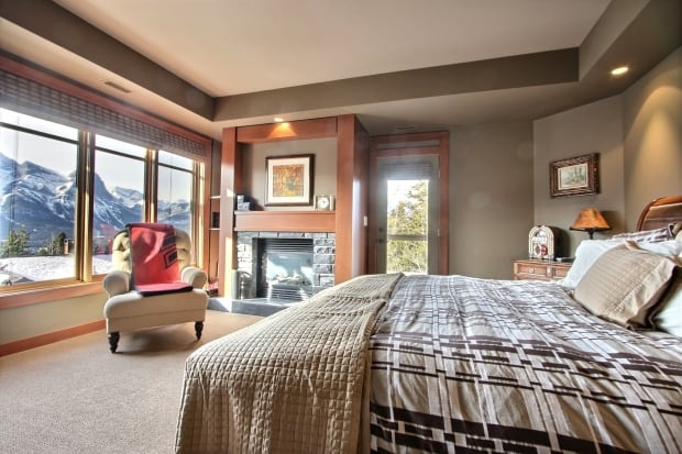 Canmore $1.5M vacation home