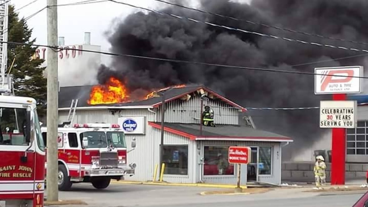 Fire destroys auto garage in saint john new brunswick for Garage auto saint maur
