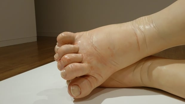 Ron Mueck, A Girl