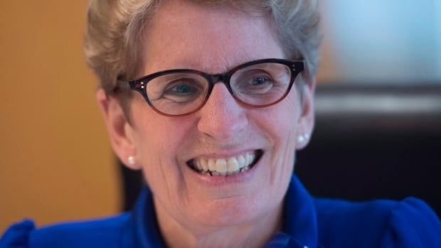 Student leaders asked Ontario Premier Kathleen Wynne why the Ontario Student Grant is being marketed as free tuition when students who qualify would still have to incur some costs. (Jonathan Hayward/Canadian Press)