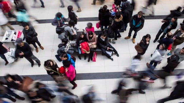Statistics Canada estimates Canada's population increased by 62,800 between Oct. 1, 2015 and Jan. 1, 2016, although population growth slowed slightly last year.