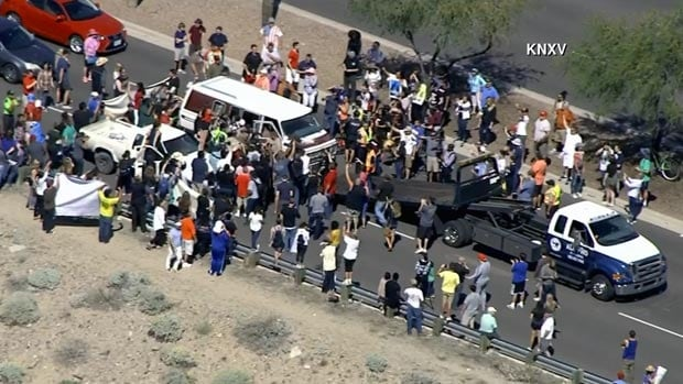 trump protest arizona highway