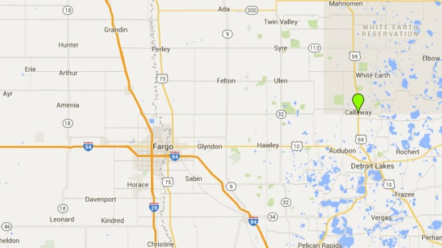 Train collides with tanker in NW Minnesota; town evacuated