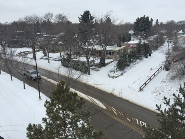snow-spadina-crescent