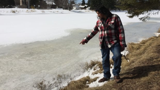 Brad DeBungee says he doesn't believe the Thunder Bay police theory that his brother Stacy DeBungee passed out and rolled from this spot into the McIntyre River last fall.
