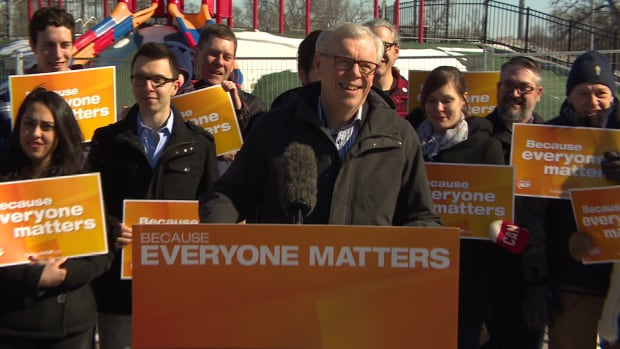Manitoba NDP Leader Greg Selinger unveils his party's plans to invest in tourism and parks if elected.