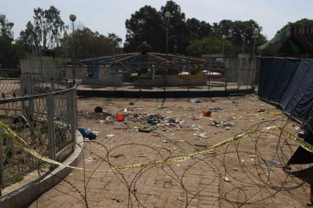 epaselect PAKISTAN SUICIDE BOMB BLAST AFTERMATH