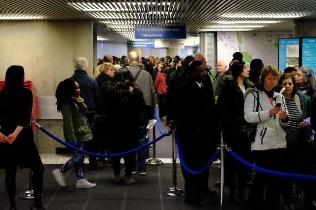 Toronto Rob Ford city hall line (Photo by John Rieti)