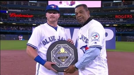 Josh Donaldson receives AL MVP award