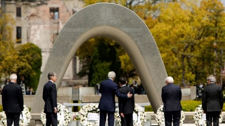 Kerry-Kishida-Hiroshima