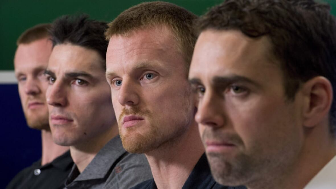 Canucks-press-conference-11-04-2016