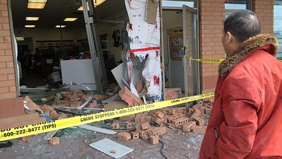 Car Slams Into Markham Shoppers Store Toronto Cbc News