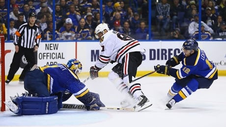 blues-blackhawks-041316-620