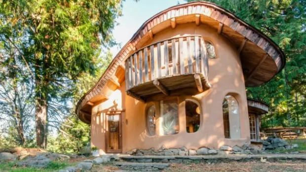 Top 5 Airbnb Listings In Canada All In B C And Ontario Canada Cbc News