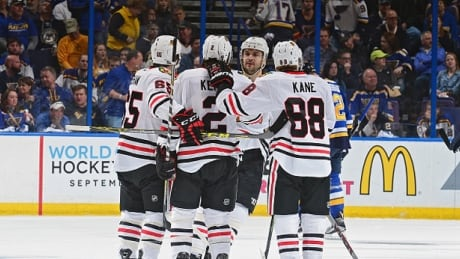 Andrew Shaw Gives Blackhawks Edge Over Blues To Tie Series