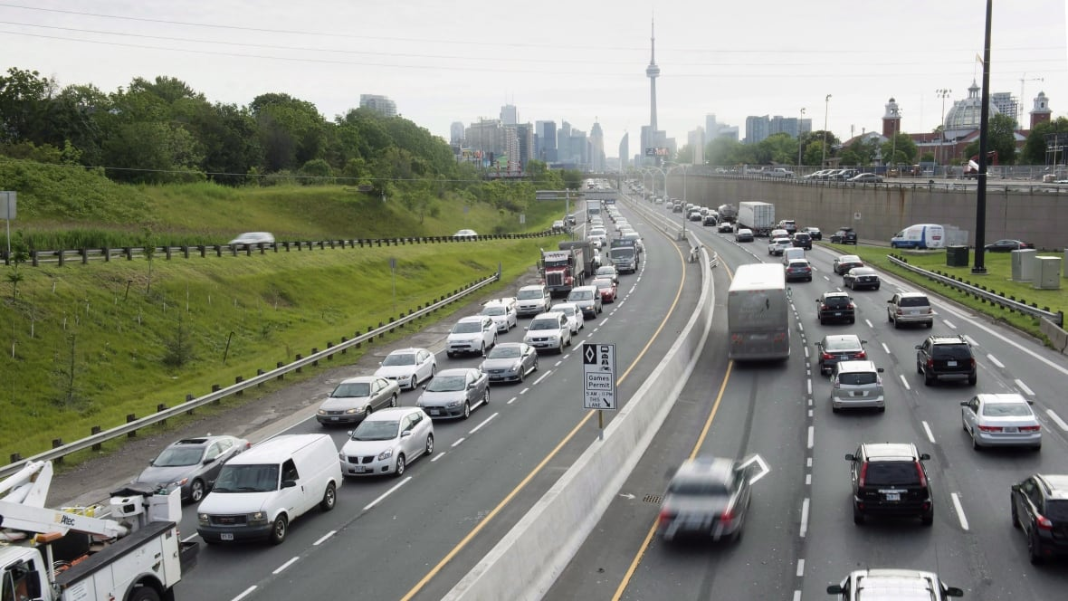 Peer To Peer Car Rental >> Turo peer-to-peer car rentals expand Canada's sharing economy - Business - CBC News