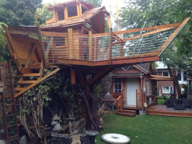 squarefoot boattreehouse for his kids without getting city permits
