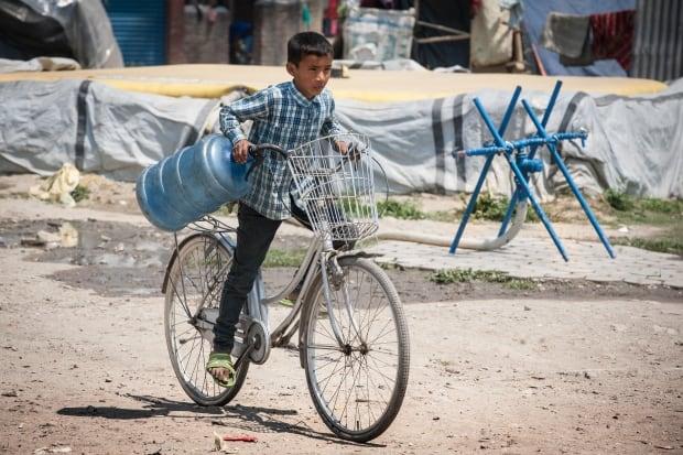 Nepal kids/C05-1.jpg