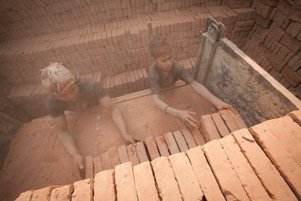 Nepal kids/C15-1.jpg