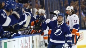Tyler Johnson scores 2 to help Lightning even series with Islanders
