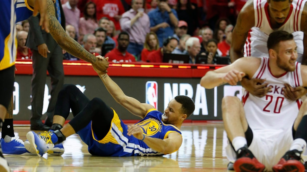 Curry-warriors-04-24-16
