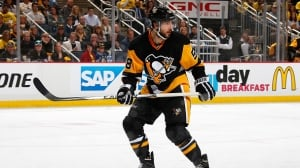 Kris Letang levels Marcus Johansson with late hit