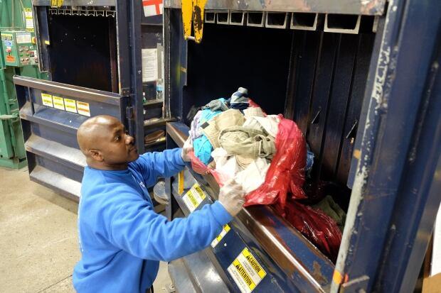 textile-loading