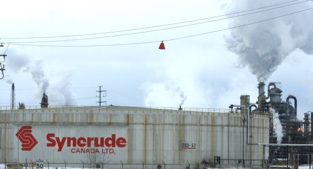 alberta oilsands operations slow to recover after fire