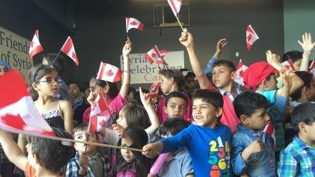 syrian-kids-sing