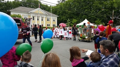 Fort Langley celebrates May Day 2016