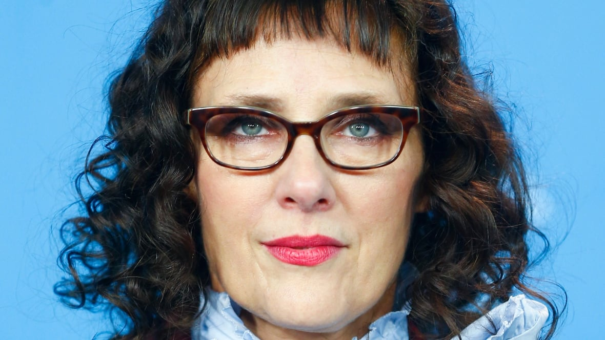 Filmmaker Rebecca Miller amuses with adultery in Maggie's ...
