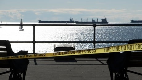Chemist passing by English Bay beach reports spilled mercury to Vancouver Fire Services