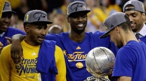 Warriors pull off comeback, headed to NBA Finals with win over Thunder