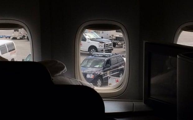 Flight Paris to Toronto