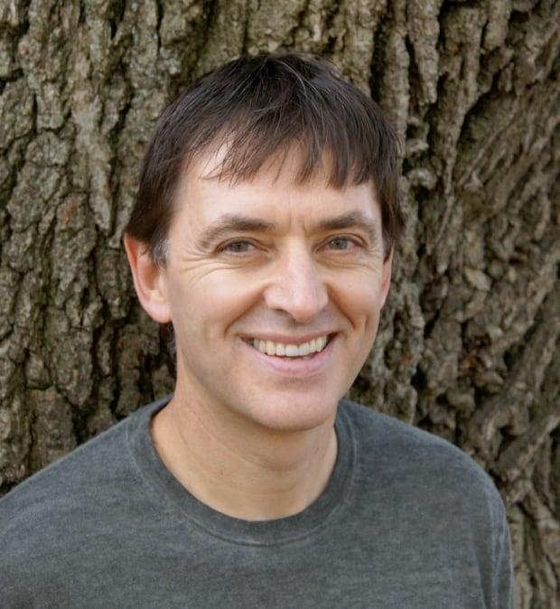 Dr Mark Tyndall