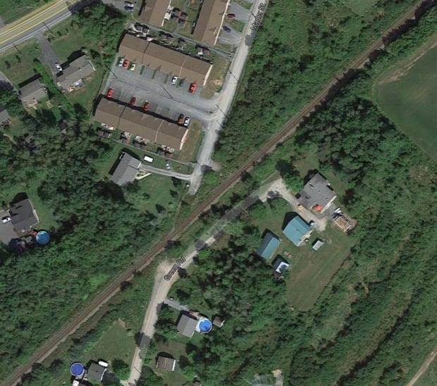 2 teenage girls killed, hit by train in Lantz, NS