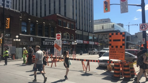 rideau street expected to reopen late next week says watson ottawa cbc news. Black Bedroom Furniture Sets. Home Design Ideas