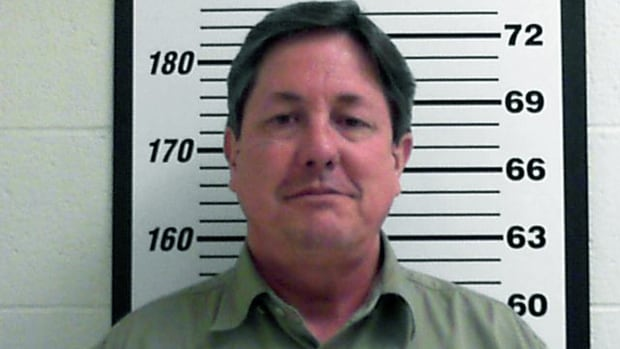 Polygamous church leader escapes pre-trial Utah home confinement