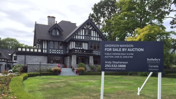 The Grierson Mansion, built in 1910, was marketed for sale via live auction.